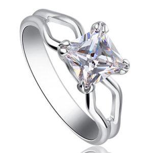 Swarovski kristályos kocka köves gyűrű